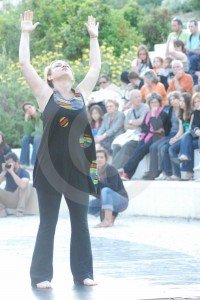 "<h3> Photos Venelles danses 2010</h3>    <a href=""http://www.lentrepot-venelles.fr/venelles-danses/venelles-danses-2010/photos-venelles-danses-2010/"">Metissage de Marie Gabella 2</a>"