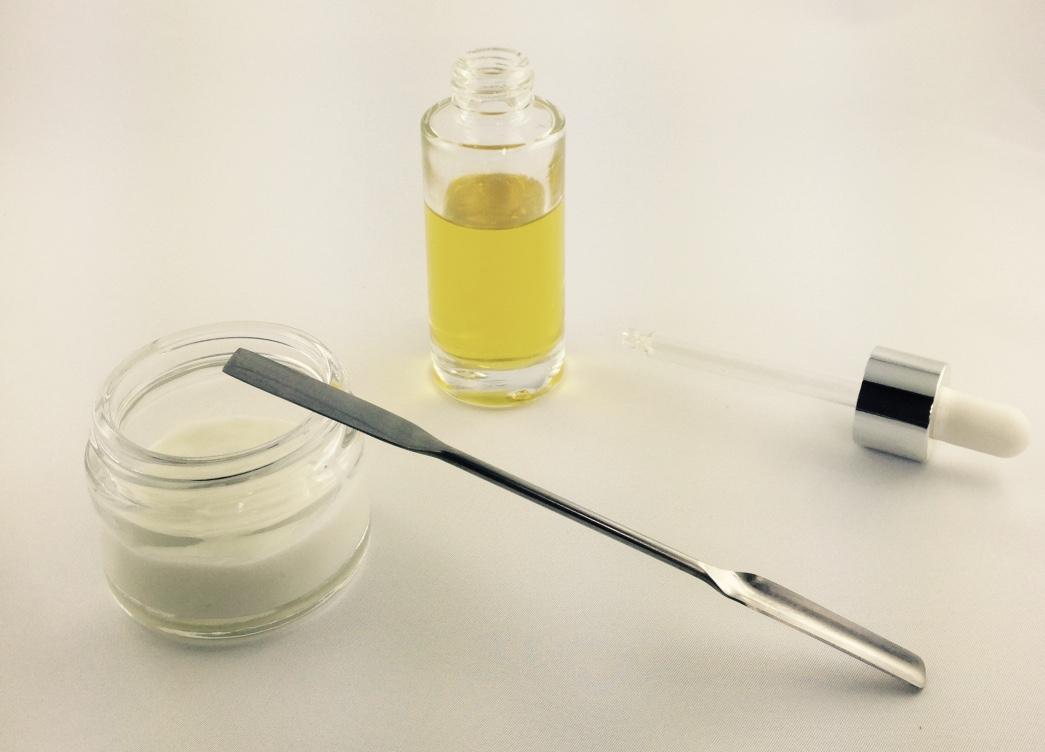 Aromathérapie - Ma maison 100% naturelle, lessive et brume parfumée pour le linge