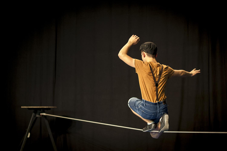 CIRQUE / équilibre sur fil (ados-adultes) @ L'Entrepôt