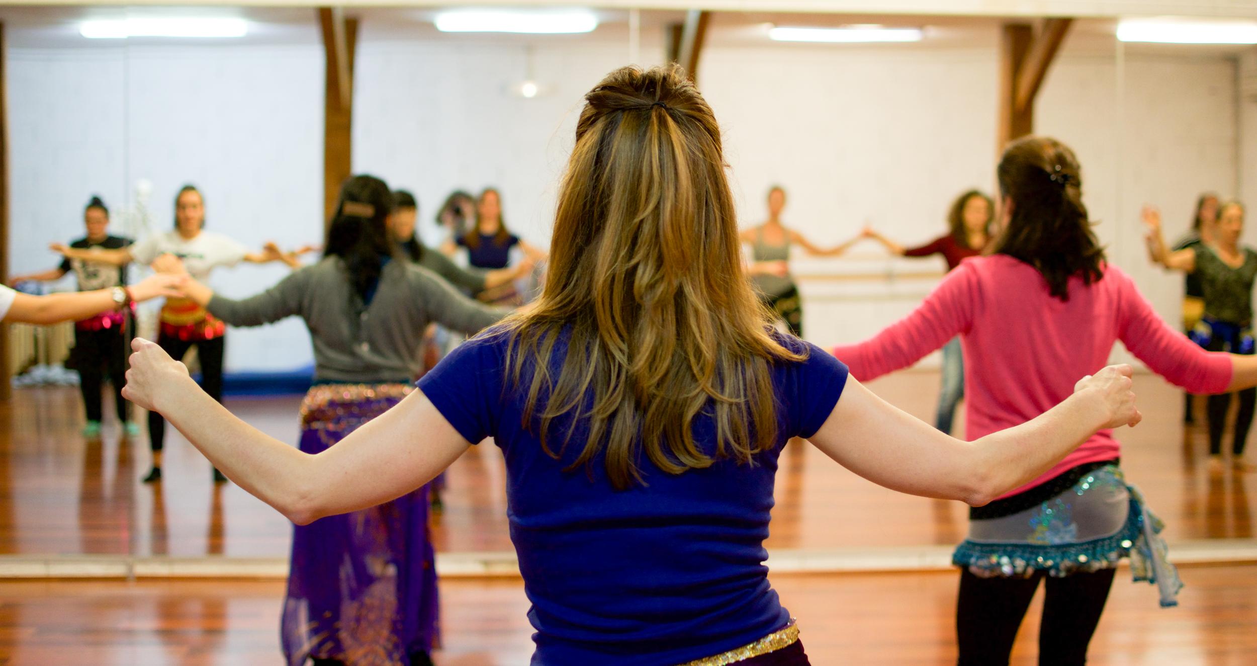 Danse orientale contemporaine (avancés) @ L'Entrepôt Espace Chorégraphique et Culturel